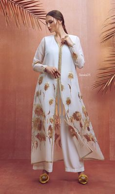 collection ramdan selma 2019 omar ben by Ramdan collection 2019 by Selma ben omarYou can find Moroccan dress and more on our website Abaya Fashion, Muslim Fashion, Fashion Dresses, Turkish Fashion, Oriental Fashion, Caftan Dress, Hijab Dress, Pakistani Dresses, Indian Dresses