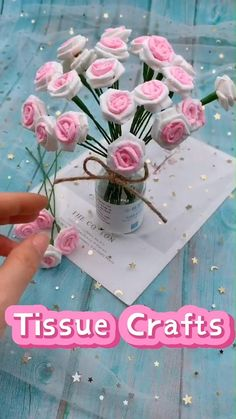 Paper Flowers Craft, Paper Crafts Origami, Paper Crafts For Kids, Flower Crafts, Tissue Flowers, Origami Flowers, Diy Crafts Hacks, Diy Crafts For Gifts, Diy Arts And Crafts