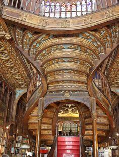 Una selezione delle più belle librerie del mondo secondo Flavorwire. Nella classifica anche due italiane   Porto, Portogallo