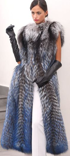 FUR COAT SILVER FOX FASHION PELZE PELZMANTEL SILBERFUCHS VOLPE FOURRURE лиса мех #ELSAFUR #Gilets #Casual