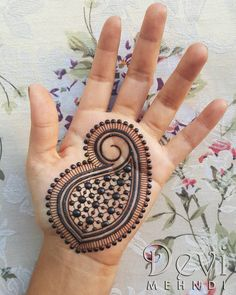 """748 Likes, 15 Comments - Devi Mehndi (@devimehndi) on Instagram: """"Hello everyone! I finally had the time to draw a little something on me. I needed some henna…"""""""