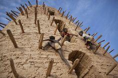 cami minaresine tırmanan çocuklar fotoğraf