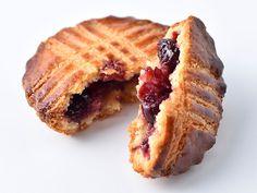 フランスとスペインの国境に位置するバスク地方の伝統的な焼き菓子ガトーバスク。私はこのお菓子が大好き。そして、どこのガトーバスクが一番好み? と聞かれたときに答えるのが、白金のパティスリー「メゾン・ダーニ白金」のガトーバスクです。