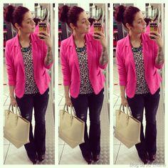 look blazer pink, calça flare e blusa animal print (1)