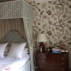 My Begum wallpaper and Killi blue fabric on bed#pennymorrisoninteriors
