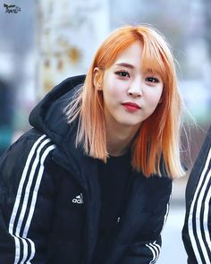 MAMAMOO (마마 무) to południowokoreański girlsband należący do RBW Ente… # Losowo # amreading # books # wattpad Kpop Girl Groups, Korean Girl Groups, Kpop Girls, Chanbaek, K Pop, Rapper, Wheein Mamamoo, Solar Mamamoo, Soyeon