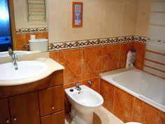 Marina dOr Apartamentos - Cuarto de baño principal Sink, Home Decor, Master Bathrooms, Apartments, Quartos, Sink Tops, Vessel Sink, Decoration Home, Room Decor