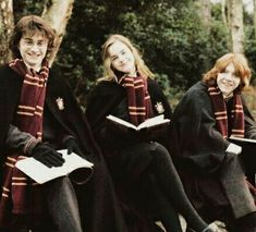 Daniel Radcliffe, Emma Watson and Rupert Grint behind the scenes of Harry Potter and the Goblet of Fire