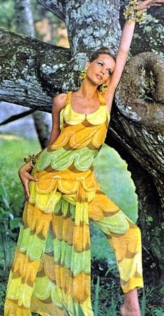 Veruschka <3 Vogue US June 1965 - i just find this hideous..