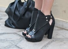 The most adorable pair of booties! They look so comfortable! #favorite