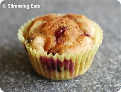 Slimming Eats Blueberry Muffins - Slimming World and Weight Watchers friendly Slimming World Deserts, Slimming World Puddings, Slimming World Tips, Slimming Eats, Slimming World Recipes, Low Syn Cakes, Slimmimg World, Diet Desserts, Dessert Recipes