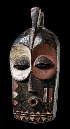 "Africa | Mask ""kolyulyu"" from the Bembe people of DR Congo 