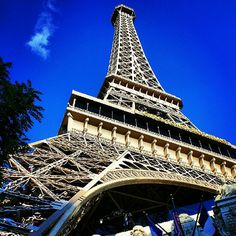Eiffel Tower at the Paris Hotel in Las Vegas Las Vegas Love, Las Vegas Nevada, Las Vegas Hotels, Paris Hotels, Teeth In A Day, Beautiful Sky, Great View, Places Ive Been, Funny Stuff