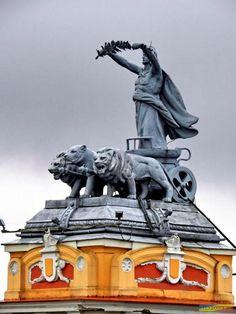 Cluj Napoca, Romania Bulgaria, Beautiful Places To Visit, Places To See, Romania Facts, Visit Romania, Romania Travel, Places Worth Visiting, Central Europe, Future Travel