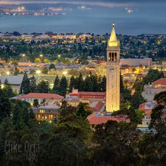 Evening twilight over UC Berkeley (Cal) campus, shot from the Berkeley hills. Berkeley Law, Berkeley Campus, Berkeley Hills, California Usa, Berkeley California, Stanford Law, College Aesthetic, Dream School, Cornell University