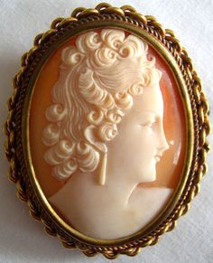 Vintage Shell Cameo Portrait Brooch