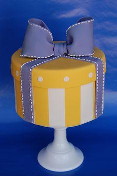 Hatbox Present Cake by bakingarts, via Flickr