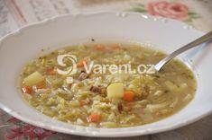 Recept na sytou polévku z kapusty, kořenové zeleniny a slaniny. Cheeseburger Chowder, Soup, Treats, Sweet Like Candy, Goodies, Soups, Snacks, Sweets, Chowder