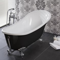 This Luxury Slipper Bath is a mix of Contemporary and Traditional Design. The Black Exterior on this Slipper Bath makes it a unique focal point for any stylish bathroom. Classic Bathroom, White Bathroom, Victorian Interiors, Victorian Architecture, House Interiors, Victorian Bathroom, Victorian House, Roll Top Bath, Bathroom Wallpaper