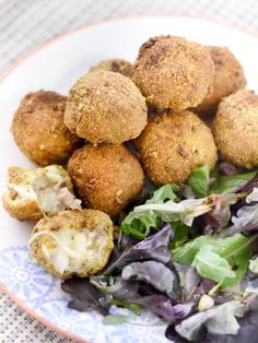Croquettes de pomme de terre, mortadelle et mozzarella, avec panure de pistaches…