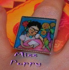 Miss Poppy's Arts: Δαχτυλίδια με υγρό γυαλί!!!