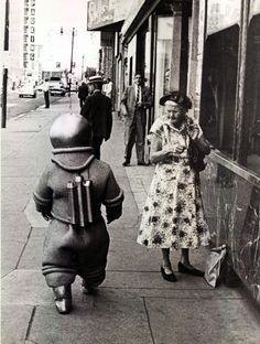 I don't know what this is, but I love it, little spaceman is on the move and cigarette granny is not best pleased :)