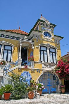Nice old villa (Vila Africana) in Ilhavo, near Aveiro Visit Portugal, Portugal Travel, Spain And Portugal, Algarve, Beautiful Buildings, Beautiful Homes, Wonderful Places, Beautiful Places, Portuguese Culture