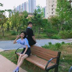 Dey look cute! Korean Celebrities, Hollywood Celebrities, Korean Actors, Korean Couple, Best Couple, Ulzzang Couple, Ulzzang Girl, Teen Web, Teen Images