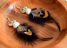 Retrouvez cet article dans ma boutique Etsy https://www.etsy.com/fr/listing/288475033/boucles-doreilles-plumes-leotie-ethnic