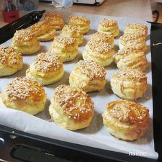 PAGÁČE - len tak k vínečku (fotorecept) - recept Naan Flatbread, Slovak Recipes, 20 Min, Pretzel Bites, Doughnut, Cookie Recipes, Muffin, Lens, Food And Drink