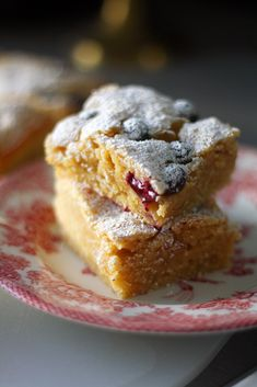 Lemon and blueberry Cake Bars, Dessert Bars, Eat Me Drink Me, Food And Drink, Cake Recipes, Dessert Recipes, Desserts, Sweet Pie, Something Sweet