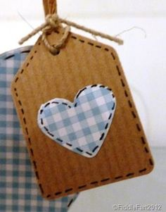 [small%2520gingham%2520heart%2520tag%255B9%255D.jpg]