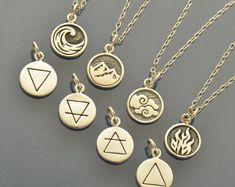 Collar de plata esterlina encanto Elemental. Encanto de elemento tierra. Elemento de fuego. Elemento de aire. Elemento de agua.