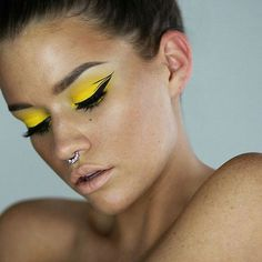 Love the #eye #makeup here on @ssssamanthaa she is wearing Billie Septum Jewelry from @lotusandco #simplethings #yellow #eyeshadow #eyeliner #mua #makeupartist #makeupbrushes #eyebrows #freckles #beauty #glam #face #portrait #inspiration #artist #creative #topthatpose #topmodel #details #vscocam #vogue #glam #lotusandco #jewelry #accessories