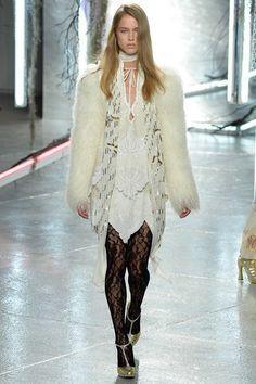 Rodarte Spring 2016 Ready-to-Wear Collection Photos - Vogue