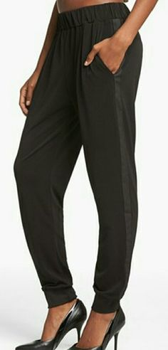 c7e9850b WAYF crepe pants Crepe pants by Wayf Size XS ..waist measures approx.