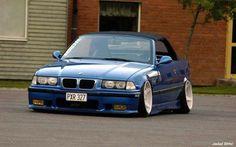 BMW E36 M3 cabrio blue slammed