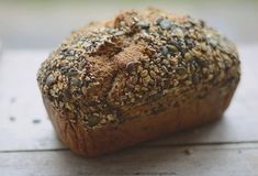 spelt bread with seeds Spelt Bread, Bakers Gonna Bake, Bread And Pastries, Bread Rolls, Bread Baking, Truffles, Bakery, Healthy Recipes, Healthy Food