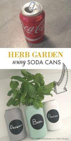 DIY Herb Garden Using Soda Cans shares how to create this super quick DIY herb garden Pot Mason Diy, Mason Jar Crafts, Mason Jars, Diy Upcycling, Diy Recycle, Recycling Ideas, Soda Can Crafts, Soda Can Art, Diy Herb Garden