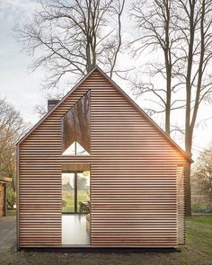 This light-filled cabin in the Netherlands is completely made by hand. Fine craftsmanship underlies this collaboration between Zecc…