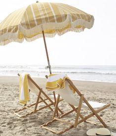 Beach Aesthetic, Summer Aesthetic, Packing List Beach, Parasols, Umbrellas, Beach Umbrella, Am Meer, Beach Cottages, Beach Houses