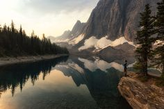 Are you looking for inspiration for your next day hike in the Canadian Rockies? See my ten favorite day hikes across Canada's most scenic national parks. Backpacking Pictures, Backpacking Trails, Hiking Trails, Hiking Photography, Landscape Photography, Colorado Hiking, Canadian Rockies, Camping Survival, Day Hike
