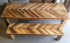We have never run out of ideas while working with wood. Pallets kitchen table idea is up to snuff because of its unique appearance.The other advantage is that it needs little skills to craft furniture of your need at your own workshop. You can invite the family members to give ideas in crafting the furniture to turn it to a fun task.