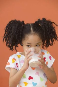 Healthy eating for toddlers and preschoolers, including feeding tips, developmental progress markers, and how little kids can help in the kitchen.