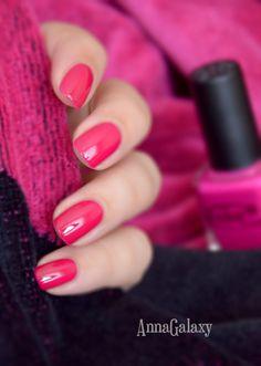 Anna Galaxy: Color Club professional nail lacquer GIMME A GRAPE BIG KISS