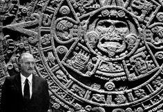 """""""No existe la libertad, sino la búsqueda de la libertad, y esa búsqueda es la que nos hace libres""""  Q.E.P.D Carlos Fuentes (1928-2012)"""