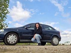 Na de aanrijding van twee weken geleden kregen we een uitdaging.. Een andere auto vinden! De keuze is reuze, maar wat wil ik wel of niet en waar doe ik goed aan?! We belandde voor een Opel in Ermelo, maar ik vond de definitieve keuze een stuk dichterbij.. Met mijn… Het bericht 2 uur rijden voor een Opel en hem dichtbij kopen verscheen eerst op Bij Zus. Vehicles, Blogging, Car, Vehicle, Tools