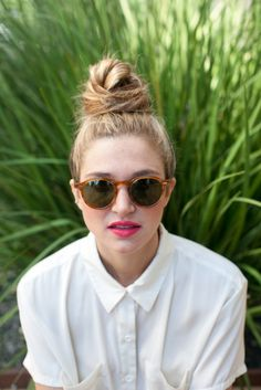 How to do a Messy Top Knot // Hair Tutorial