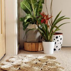 Check this out: DIY Rope Coil Doormat. https://re.dwnld.me/2VBxX-diy-rope-coil-doormat