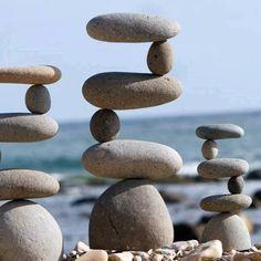 GravityGlue.com Boulder rock balance artist - Michael Grab